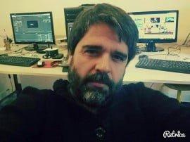 El tresarroyense Leonardo Bassini, realizador audiovisual y videógrafo de 39 años, reclama ver a su hija luego de 1000 días sin tomar contacto con ella