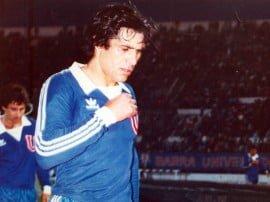 """Néstor """"Pela"""" Di Luca forma parte de una estirpe de futbolistas cuyas virtudes se encuentran ya, desde hace un buen tiempo, en vías de extinción: la de los goleadores natos"""