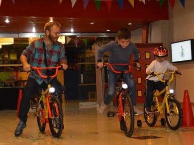 Una cuestión cultural. Comenzar con los chicos, instruyéndolos acerca del uso de la bicicleta, es una buena forma de instalarla como medio de movilidad