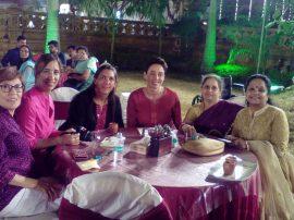 Una fiesta a todo color. Las tresarroyenses participaron de la previa de un casamiento al estilo de la India