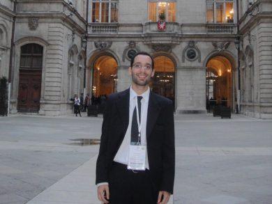 Alberca acaba de ser distinguido en Francia por la presentación de un trabajo de investigación orientado a encontrar un fármaco que detenga el avance del parásito que provoca el Mal de Chagas
