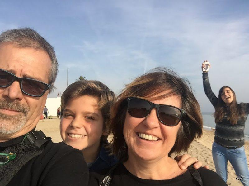 """""""Tengo una familia maravillosa compuesta por mi mujer Bely y nuestros hijos: Agustina (19) y Gonzalo (12). Y no me olvido de Rock, el perro que nos acompaña incondicionalmente"""""""