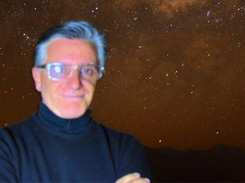 """Mammana fotografiado por Antonio de Franceschi, operador de telescopios en """"El Leoncito"""", en una imagen tomada con una Nikon 5500 y con 30 segundos de exposición, """"sin trucos ni coloreada artificialmente"""", según explicó el propio entrevistado"""