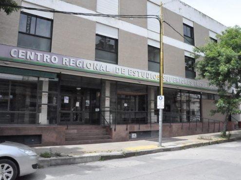 """""""CRESTA llegó para no irse jamás"""", sostuvo el intendente Carlos Sánchez en la última colación de grados de la casa de estudios"""
