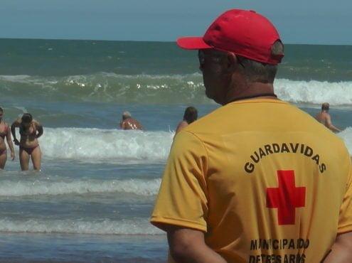 """""""Yo conozco muchos otros lugares, y la verdad es que el grupo humano y profesional que hay en Claromecó es excepcionalmente comprometido, y este año lo han demostrado con el trabajo en la playa y fuera de ella"""", remarcó el jefe del cuerpo, Germán Castro"""