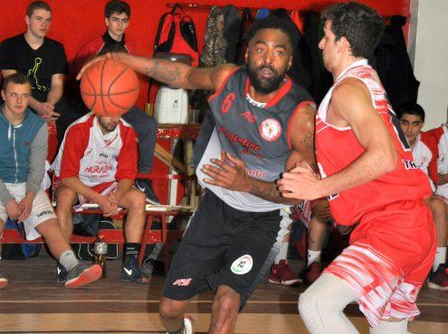 """""""El torneo de Tres Arroyos me parece muy competitivo, se juega con intensidad. Cuando entro a la cancha, sé que todos van a intentar defenderme muy duro"""", aseguró el basquetbolista"""
