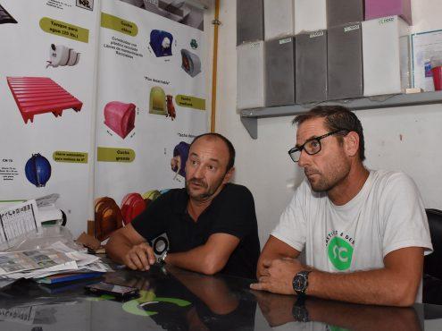 """Enrique Carrera y Esteban Oscariz son los tresarroyenses que hace algo más de 5 años le dieron vida a """"Roco Plásticos & Design"""""""