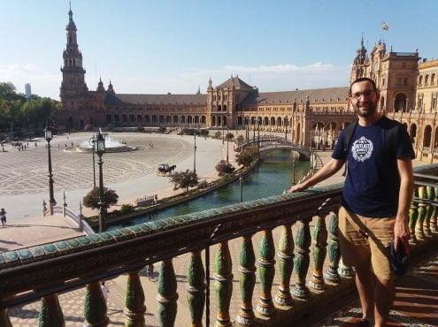 Desde principios de septiembre, Lucas comenzó con una estancia de investigación en el Centro Andaluz de Biología del Desarrollo (CABD), en Sevilla