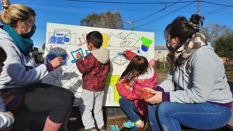 """Los murales itinerantes son una de las propuestas de """"Puentes…"""" en la cuarentena"""