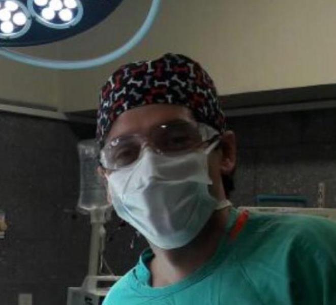 Agustín Torres es médico, como su padre - el patólogo Néstor Torres- y fue uno de los primeros casos positivos de coronavirus en La Plata y en el país