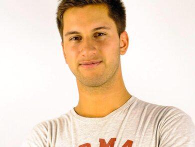 Agustín Parraquini es el fundador de Shibily, una empresa que creó, entre otras aplicaciones, una que permite llevar adelante escuelas virtuales de fútbol en todo el mundo