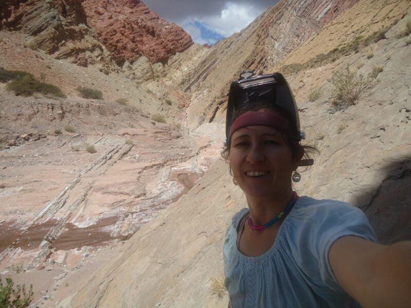 Natalia Zimicz es doctora en Ciencias Naturales e investigadora adjunta del CONICET, y dedica su carrera a reconstruir la vida de mamíferos fósiles sudamericanos de los últimos 80 millones de años
