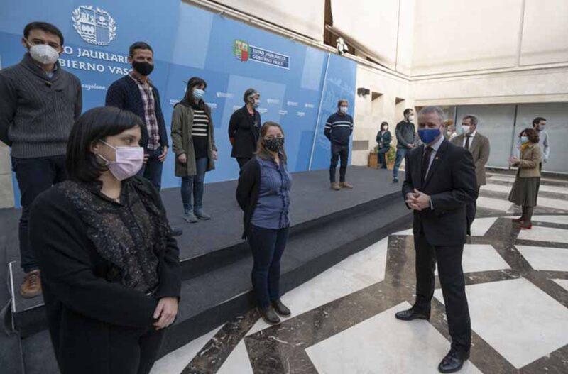 El tresarroyense y sus compañeros de estudios fueron recibidos por el lehendakari (presidente) del Gobierno Vasco, Iñigo de Urcullu