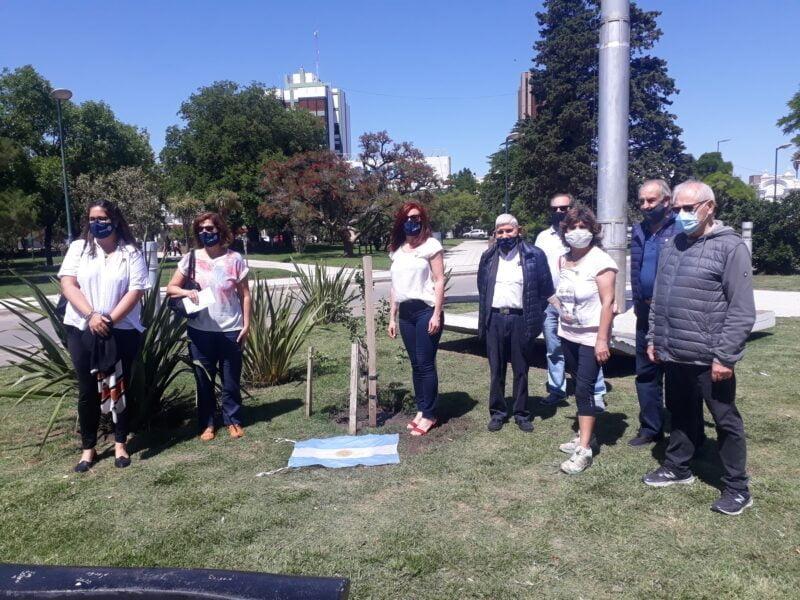 El año pasado Rotary Club Tres Arroyos cumplió 80 años, 50 de los cuales encuentran a Bernabé Vicario entre sus integrantes más entusiastas