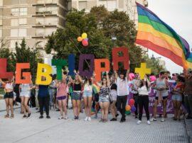 Desde 2019, el colectivo LGBTIQ+ organiza en Tres Arroyos la Marcha del Orgullo (foto de Lina Lewk)