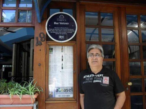 """El tresarroyense en el célebre bar en el cual Vinicius de Moraes y Tom Jobim se inspiraron para escribir la canción """"Garota de Ipanema"""""""